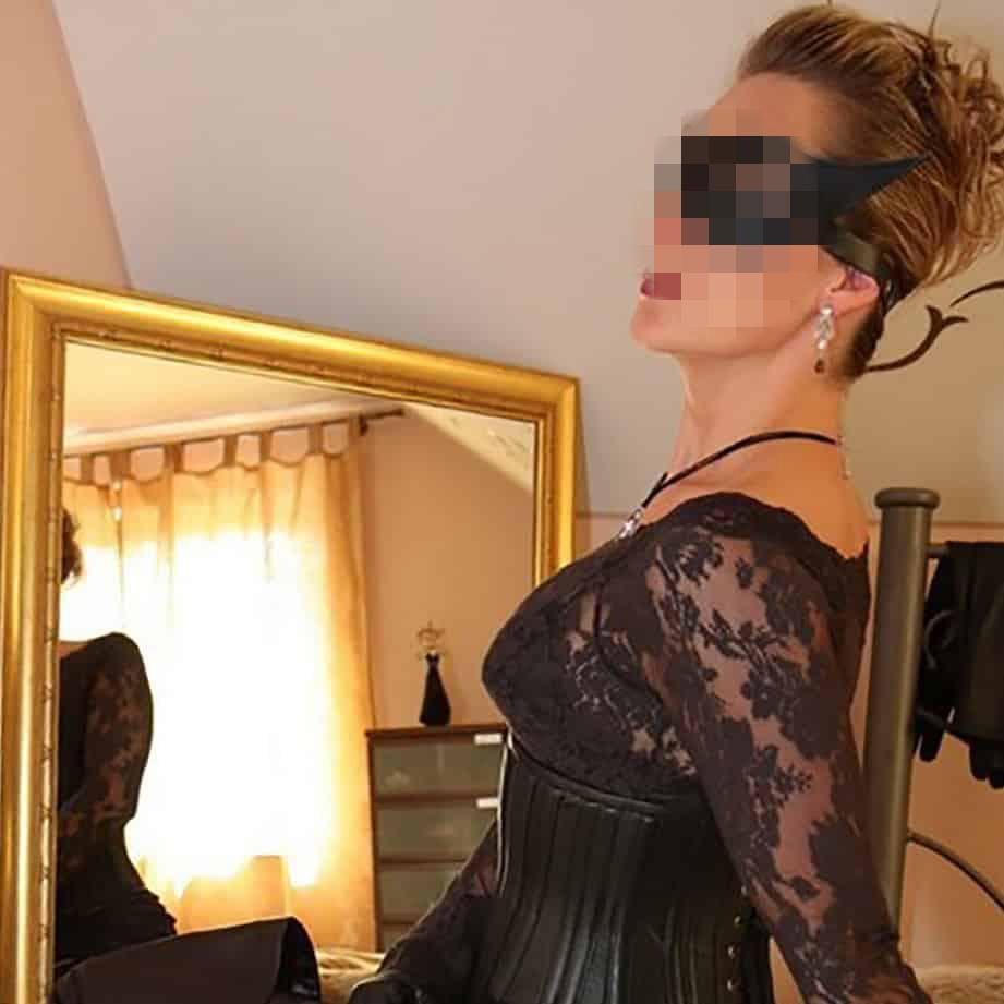 Envie de faire la rencontre d'une maîtresse dominatrice à Lyon ou à proximité ?